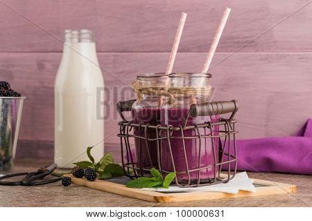 Fresh Red Fruits Smoothie