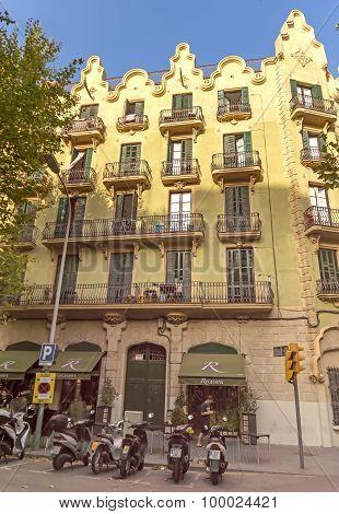 Architecture Of La Rambla Street