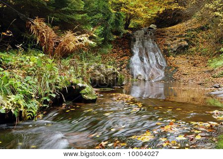 falls in autumn