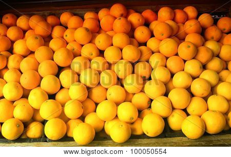The Oranges On The Market