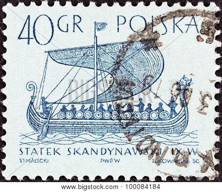 POLAND - CIRCA 1964: A stamp printed in Poland shows Mora (Norman ship, 1066)
