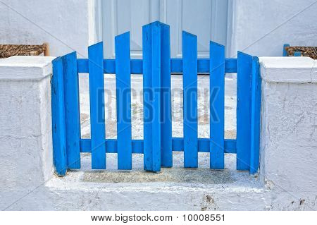 Mykonos Gate
