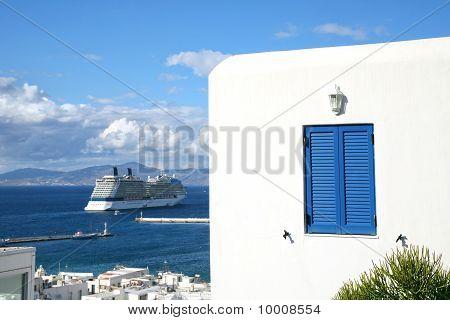 Mykonos Cruise Ship