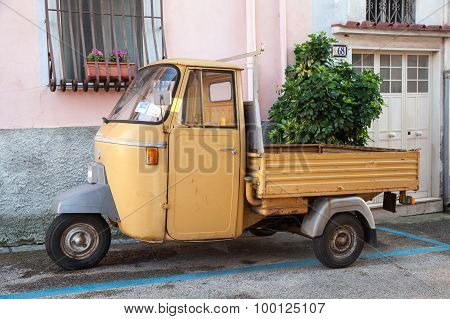 P 501 Ape Car Is A Three-wheeled Light Commercial Vehicle