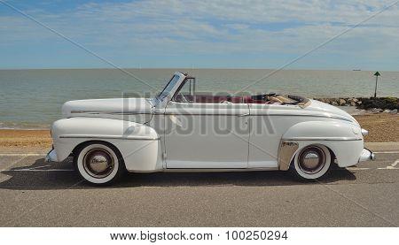 Classic Ford Super Delux