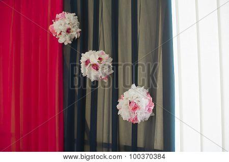 Hall Decoration Three Pompoms Of Flowers