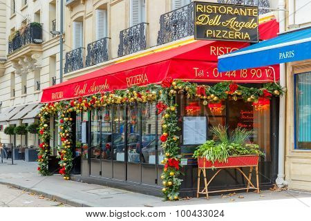 Trattoria Dell Angelo near Eiffel Tower, Paris
