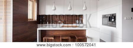 Kitchen Island In Wood Kitchen
