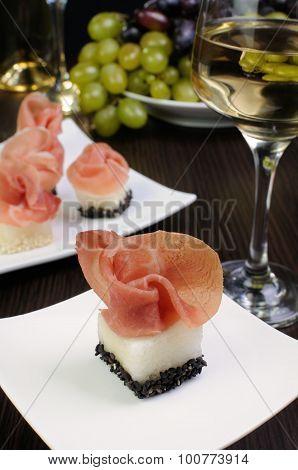 Canape Melon In Sesame With Gammon