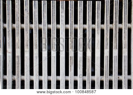 Overflow grating of swimming pool