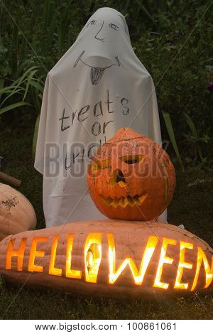 Treats Or  Tracks, Helloween Pumpkin