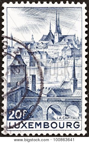 LUXEMBOURG - CIRCA 1948: A stamp printed in Luxembourg shows Luxembourg