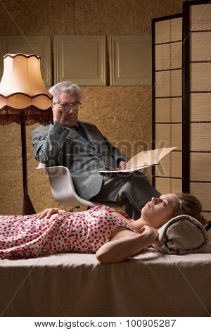 Mature Psychoanalyst And Female Patient