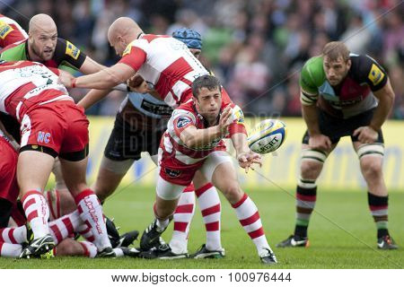 TWICKENHAM, ENGLAND. 17 SEPTEMBER 2011. Gloucester's Nick Runciman,  in action during the Aviva premiership rugby union match between Harlequins and Gloucester played at The Stoop Twickenham.
