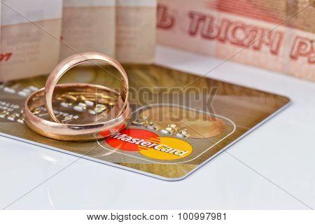 Wedding Rings And  Mastercard Gold