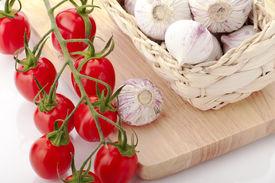 Vine tomatoes and garlic