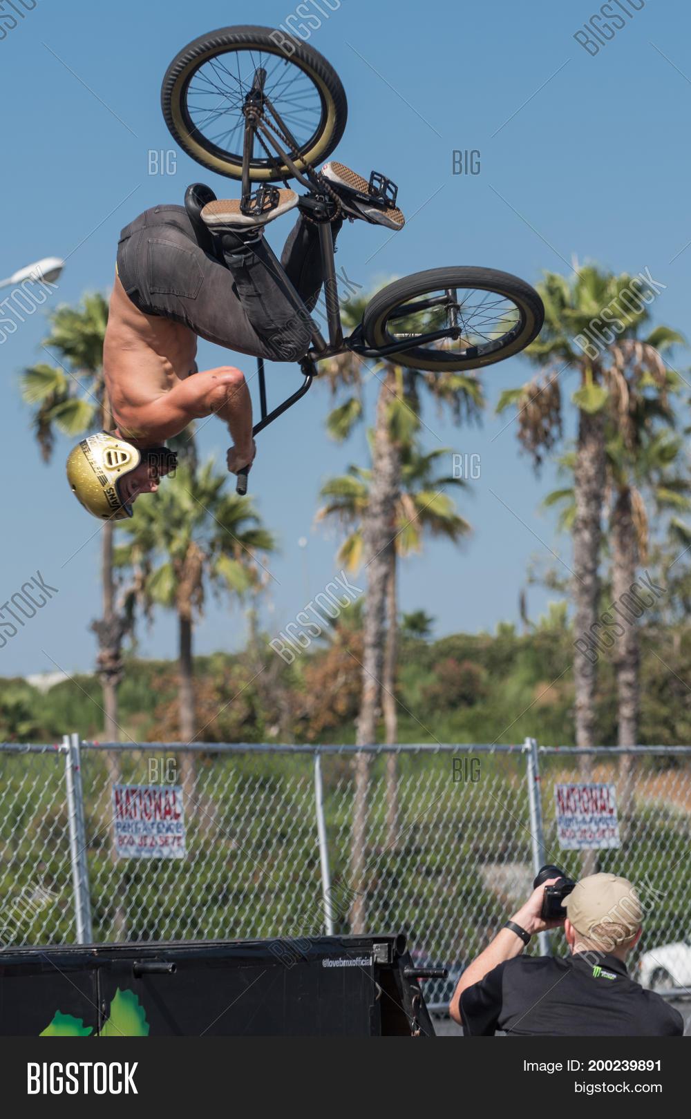 Bmx Rider Making Bike Image & Photo (Free Trial) | Bigstock
