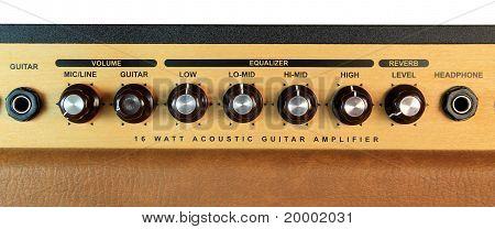 A guitar amplifier dials