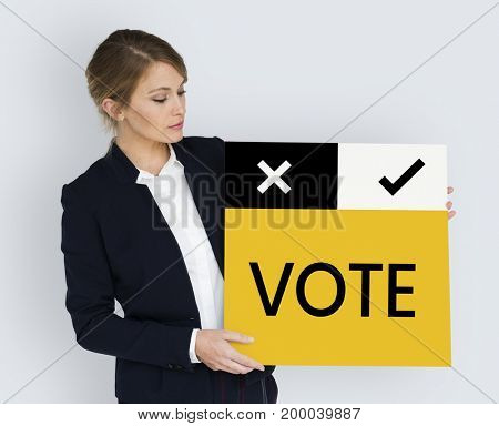 Business woman hold a vote card