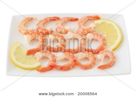 Boiled shrimps with lemon