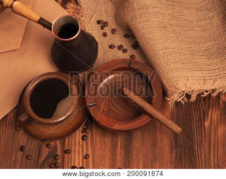 Coffee cup on a wooden backgound. restaurant concept