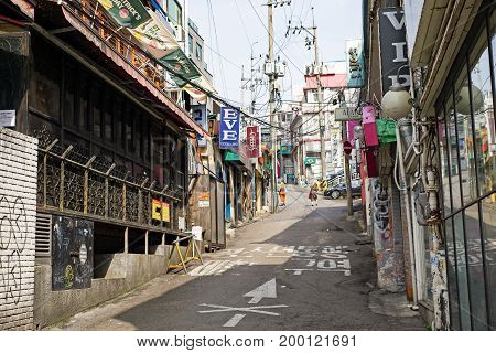 Seoul, Korea - April 08, 2017: Quiet Valley At The Itaewon Town In Seoul. Itaewon Is Widely Known As