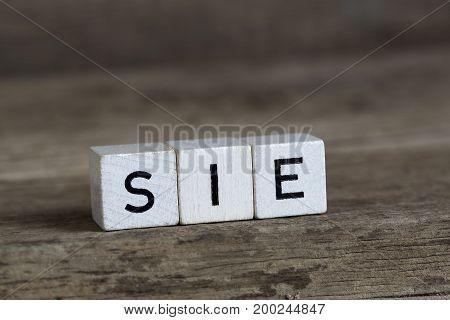 German Word She, Written In Cubes