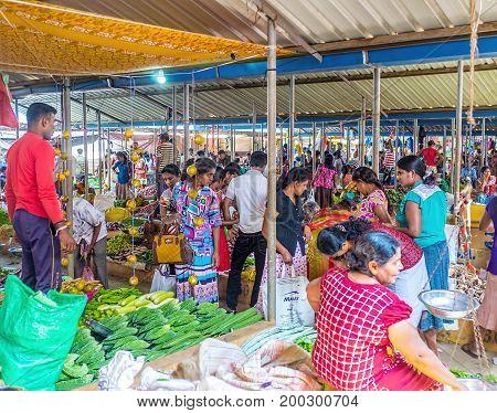 The Crowded Wellawaya Market