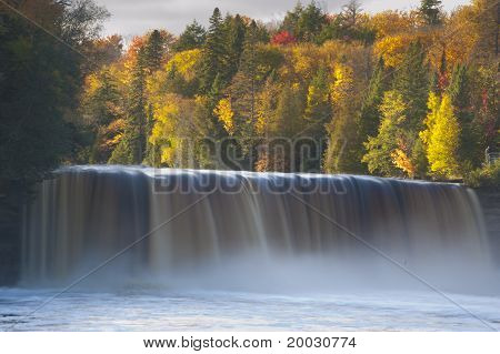 Tahquamenon Falls and autumn colors