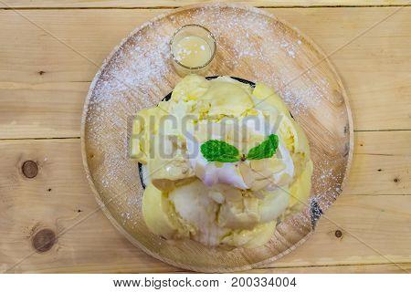 Bingsu Durian With Icecream Served With Condensed Milk