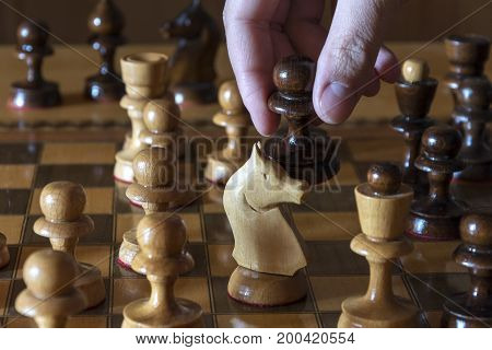 Pawn made the next move arose between the two Queens