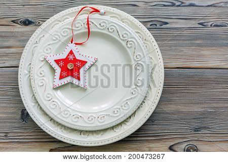 Porcelain Plates With Christmas Decor.