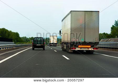Traveling trucks