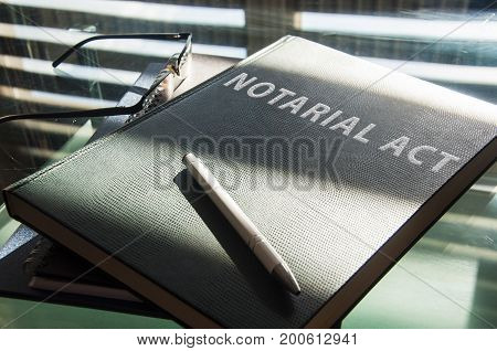a notarial act is to be signed
