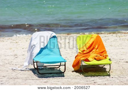 Beach Chairs With Towels