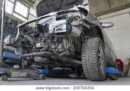 View of an incidented car by the mechanic