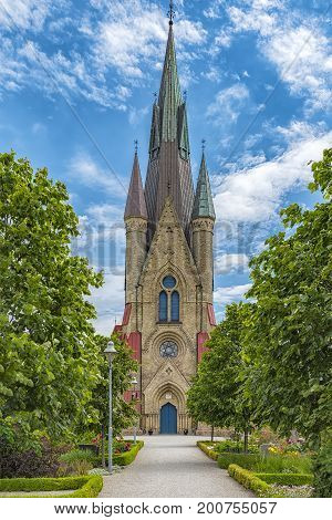 Haslovs Kyrka was built in the years 1879 and 1880 in neo-gothic style according to the designs by the well known royal architect Helgo Zettervall.
