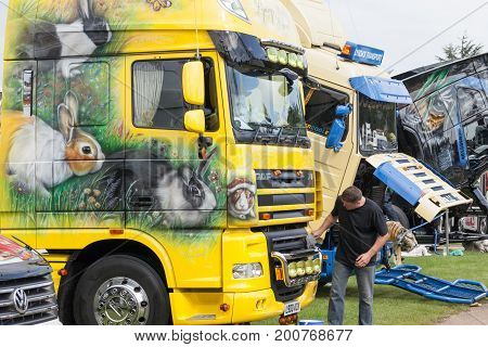 Beautiful Truck Artwork Of Rabbits At Truckfest 2017