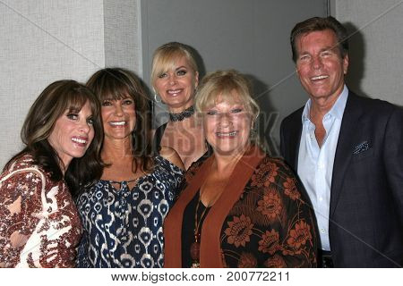 LOS ANGELES - AUG 19:  Kate Linder, Jess Walton, Eileen Davidson, Beth Maitland, Peter Bergman at the Young and Restless Event 2017 at the Burbank Convention Center on August 19, 2017 in Burbank, CA
