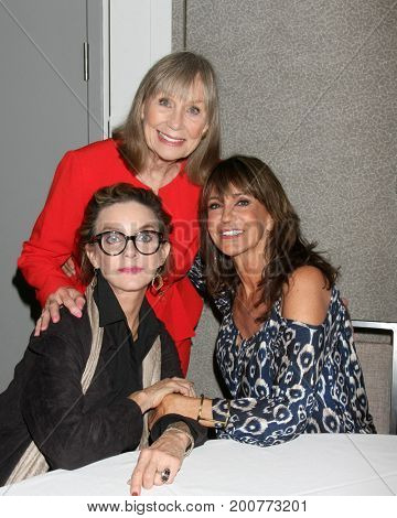LOS ANGELES - AUG 19:  Judith Chapman, Marla Adams, Jess Walton at the Young and Restless Fan Event 2017 at the Marriott Burbank Convention Center on August 19, 2017 in Burbank, CA