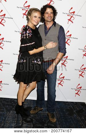 LOS ANGELES - AUG 19:  Melissa Ordway, Daniel Hall at the Young and Restless Fan Event 2017 at the Marriott Burbank Convention Center on August 19, 2017 in Burbank, CA