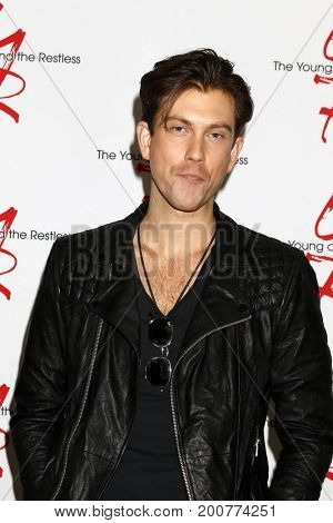 LOS ANGELES - AUG 19:  Ryan Ashton at the Young and Restless Fan Event 2017 at the Marriott Burbank Convention Center on August 19, 2017 in Burbank, CA