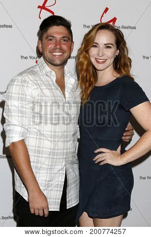 LOS ANGELES - AUG 19:  Robert Adamson, Camryn Grimes at the Young and Restless Fan Event 2017 at the Marriott Burbank Convention Center on August 19, 2017 in Burbank, CA