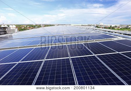 Solar PV Rooftop System on Warehouse Roof