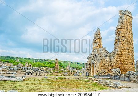 Discover Ancient Perge