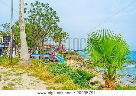 The Restaurants In Seaside Garden Of Side