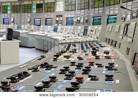 Kontrollraum des russischen Generation Kernkraftwerk