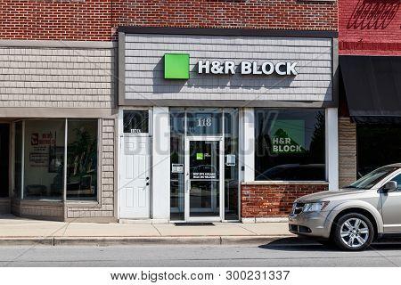 Tipton - Circa May 2019: H&r Block Retail Tax Preparation Location. Block Operates 12,000 Locations
