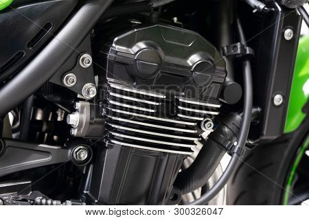 Clean Inline Four Motorcycle Engine, Big Street Cafe Bike With Full Horsepower.