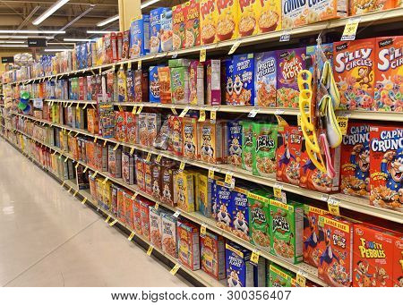 Alameda, Ca - May 07, 2019: Grocery Store Shelf With Boxes Of Cereal, Various Brands And Flavors. Ce